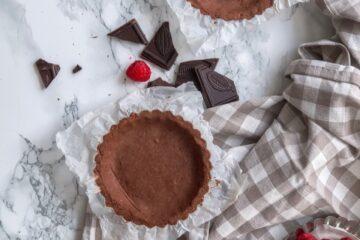 Chocolate and raspberries vegan and gluten free tart