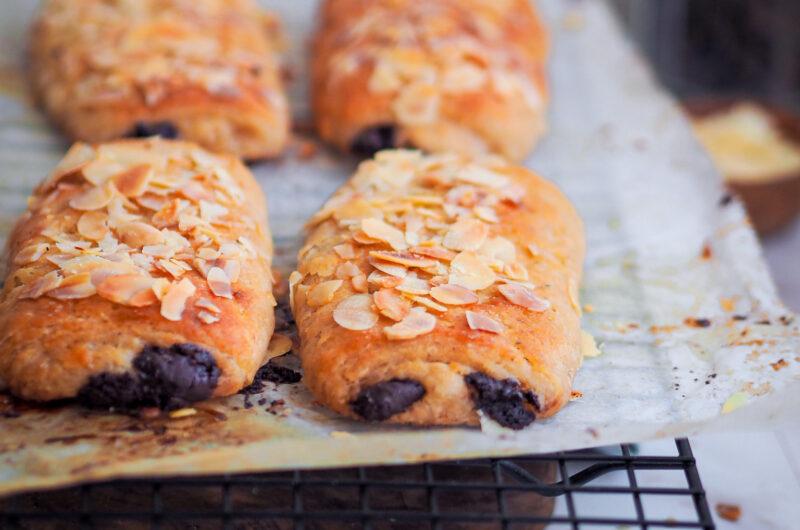 Gluten free chocolate brioche buns