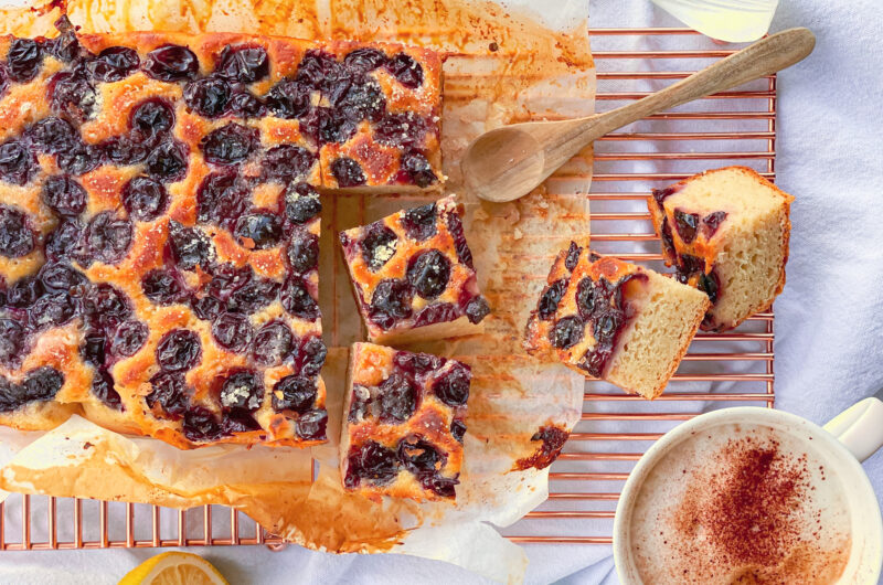 Sweet and salty grapes focaccia bread