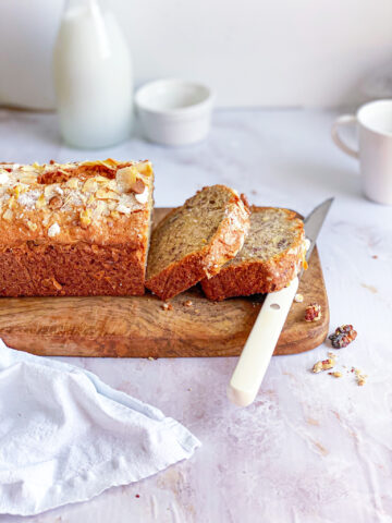 Cinnamon and olive banana bread sliced